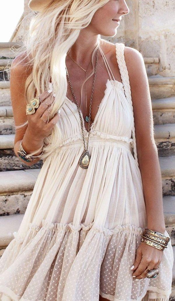 Robe dentelle hippie chic